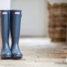 Carlé-&-Moss-Commercial-Photographers-award-winning-Keep-Cottage-Suffolk-navy-blue-Hunter-wellington-boots-holiday-cottage.jpg