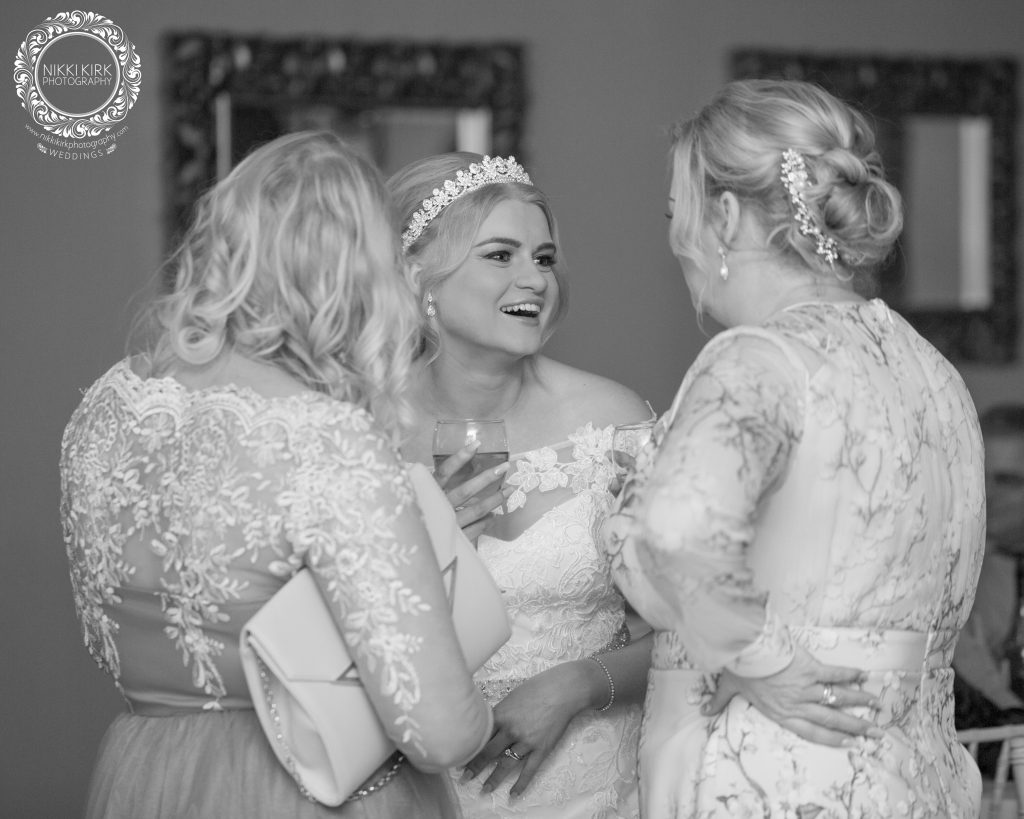 candid documentary wedding photography