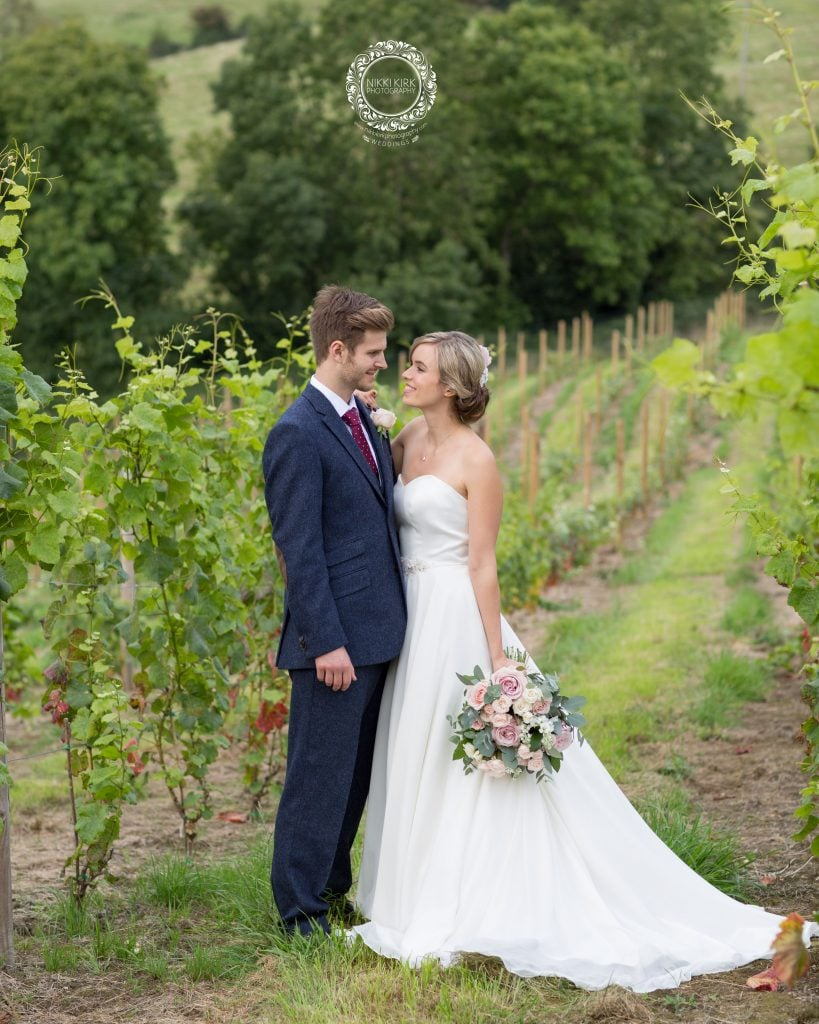 Nikki-Kirk-Photography-wedding-photographer-Gloucestershire-Heart-of-The-Cotswolds-Dryhill
