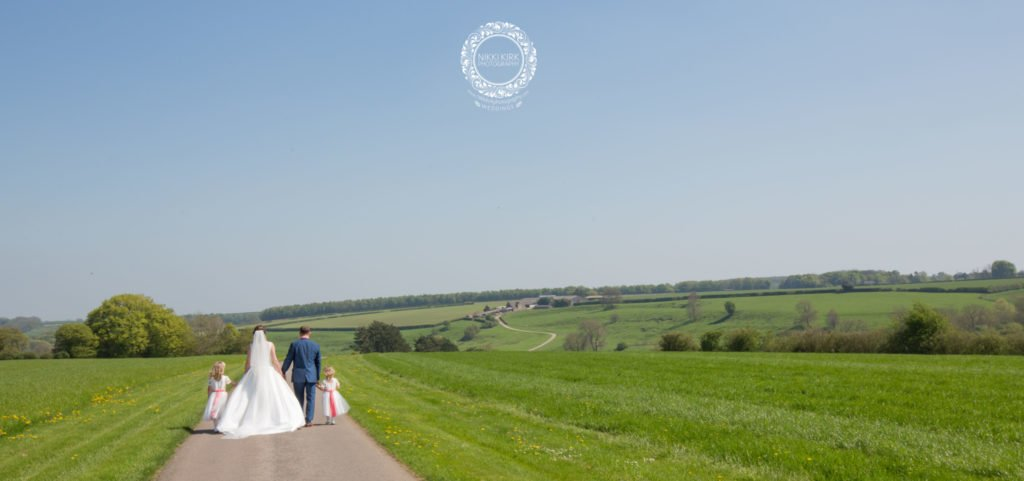 Nikki-Kirk-Photography-Kingscote-Barn-wedding