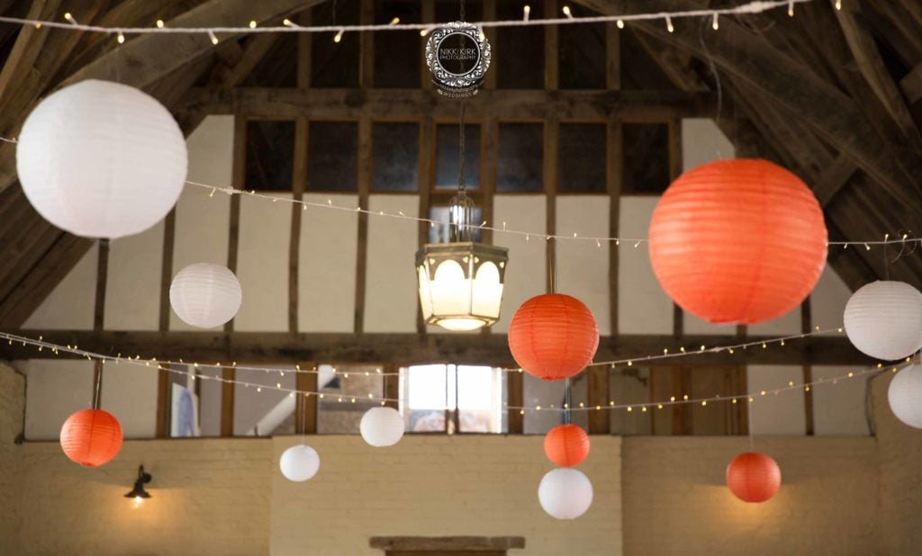 Nikki-Kirk-Photography-Priors-Tithe-Barn-wedding-Pantone-Colour-2019-Living-Coral