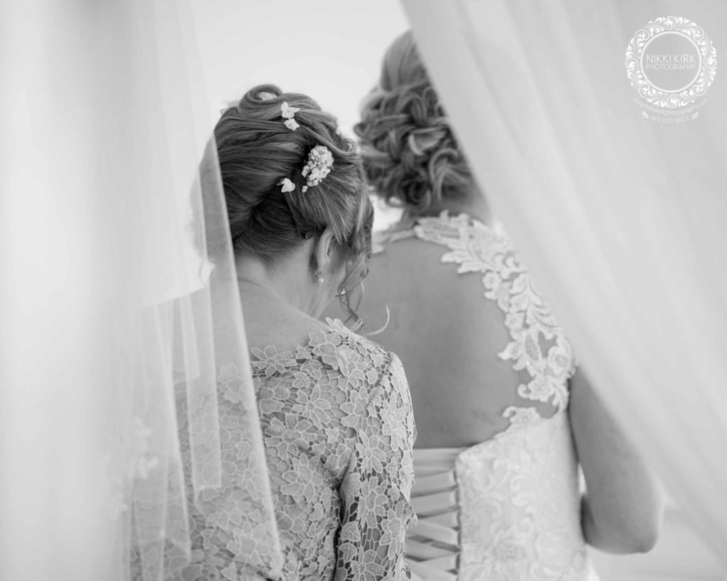 Nikki-Kirk-Photography-wedding-photographer-Manor-by-the-Lake
