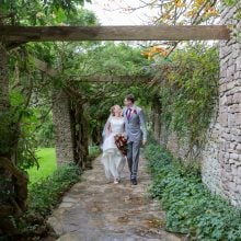 Gloucestershire wedding photographer Nikki Kirlk